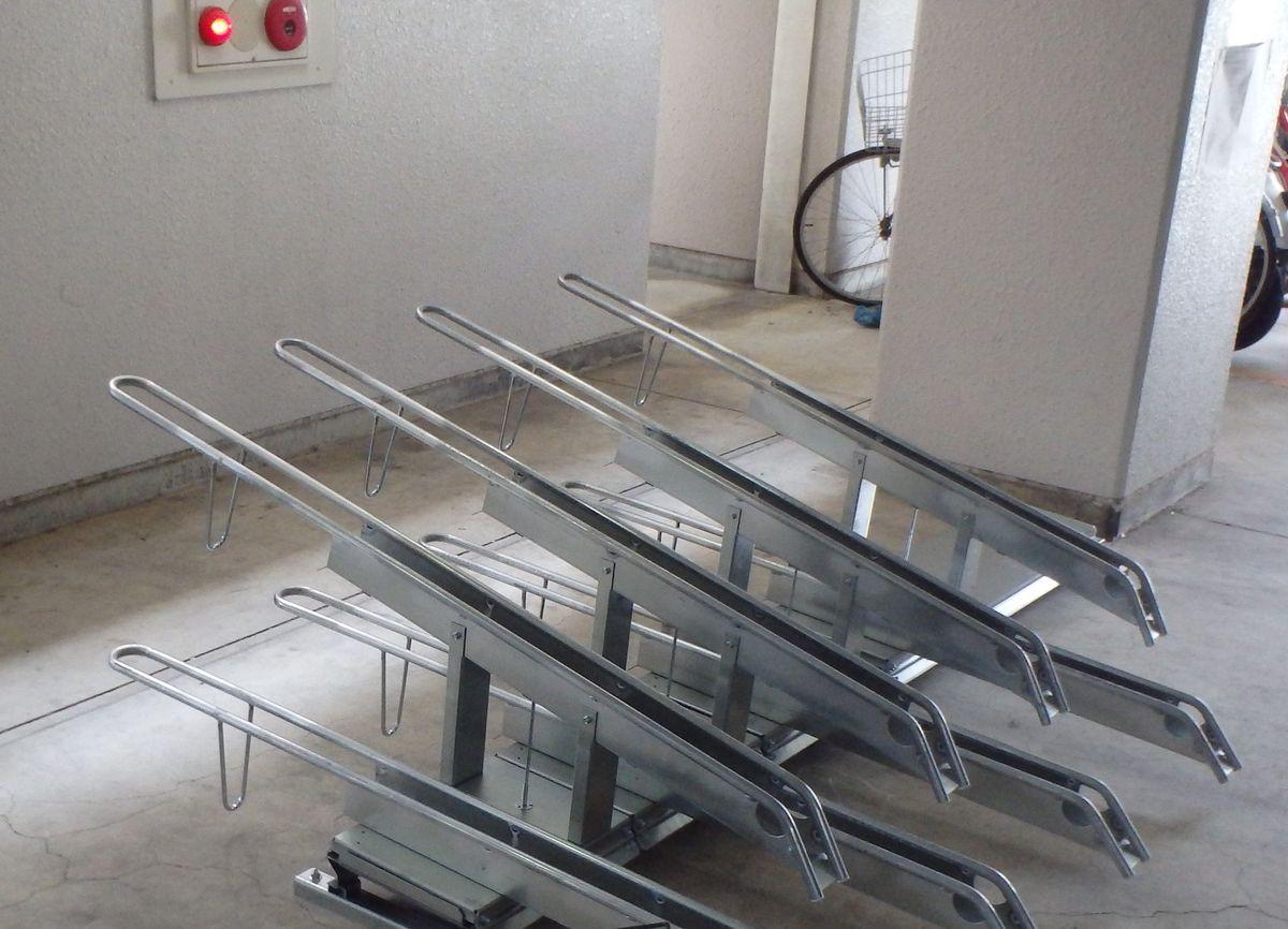 トミンハイム南篠崎町五丁目自転車置場設置(ラック改修)工事