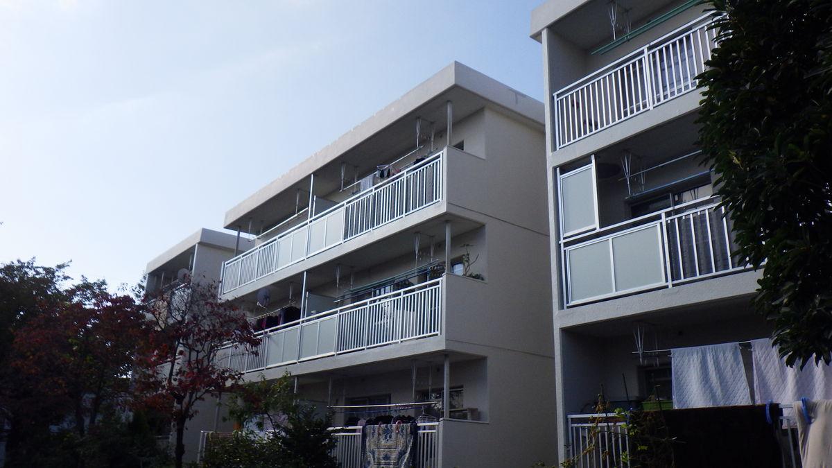 都営東つつじケ丘二丁目アパートバルコニー・廊下手摺改修工事